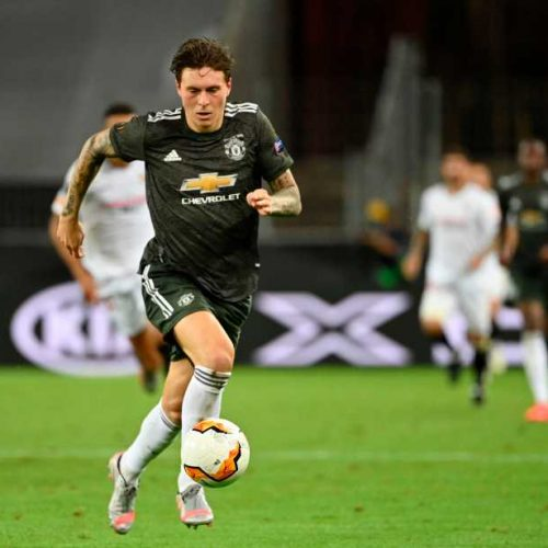 Manchester United defender Victor Lindelof allegedly stops thief who 'stole elderly woman's purse' in Sweden